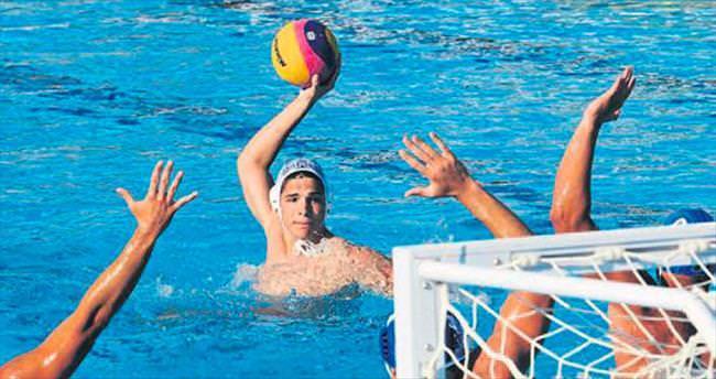 Havuz sporları Kepez'de yapılıyor