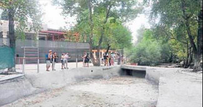 Şelale susuz kaldı turistler geri döndü