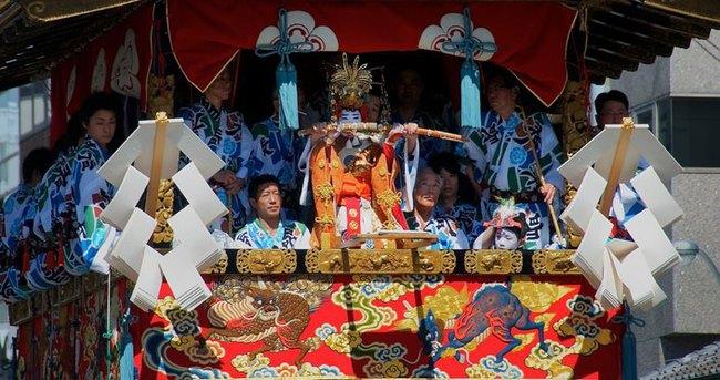 Japonların festivali Gion Matsuri hızla devam ediyor