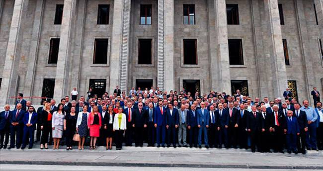 538 STK'dan demokrasi nöbeti