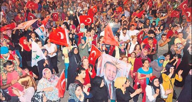 'Gün demokrasiye sahip çıkma günüdür'