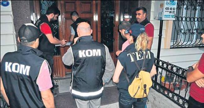 İzmir'de 11 avukat gözaltında