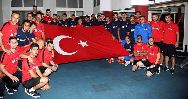 Trabzonspor'dan demokrasi nöbetine destek