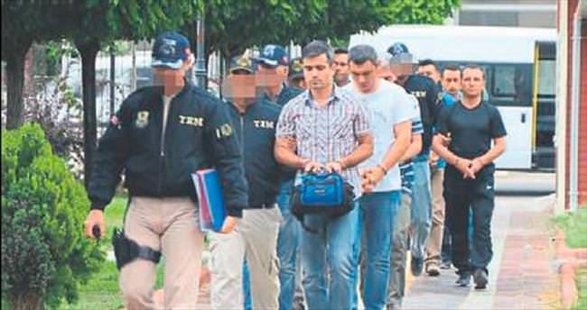 8 komando tutuklandı