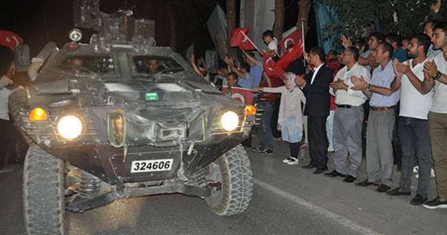 Bitlis'te askerlere sevgi gösterisi
