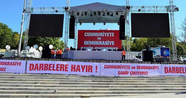 Taksim Meydanı CHP miting için hazır