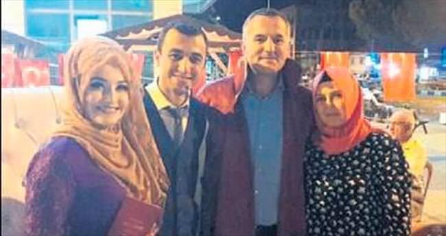 Genç çiftin nikahı meydanda kıyıldı