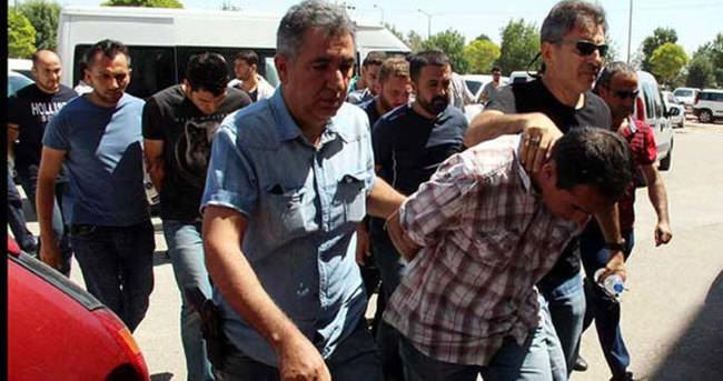 Konya'da 12 asker tutuklandı
