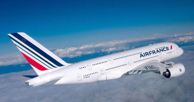Air France kabin memurları greve gitti