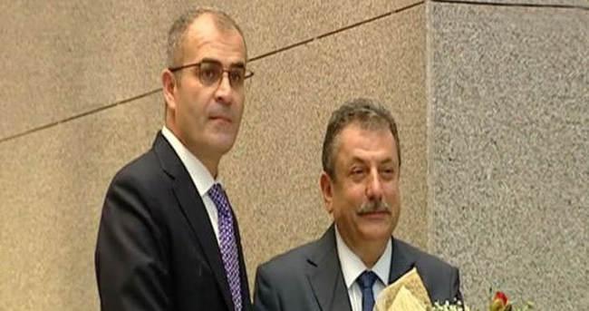 Hadi Salihoğlu, İrfan Fidan'a görevi devretti