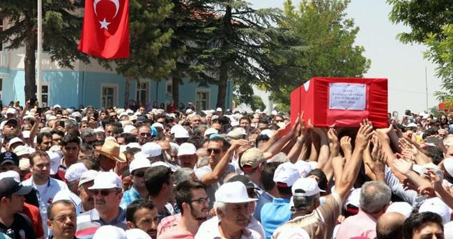 Şehit polis Akyürek'i, memleketi Konya'da 5 bin kişi uğurladı