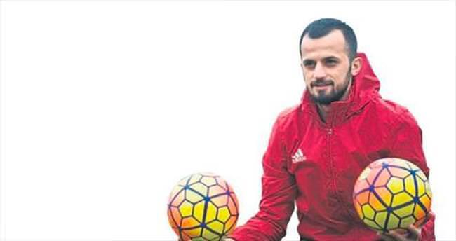 Gaziantepspor, İlhan'ın sözleşmesini uzattı