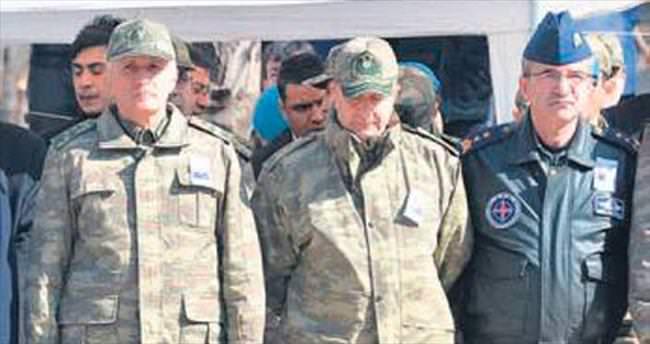 İki komutan FETÖ'den tutuklandı