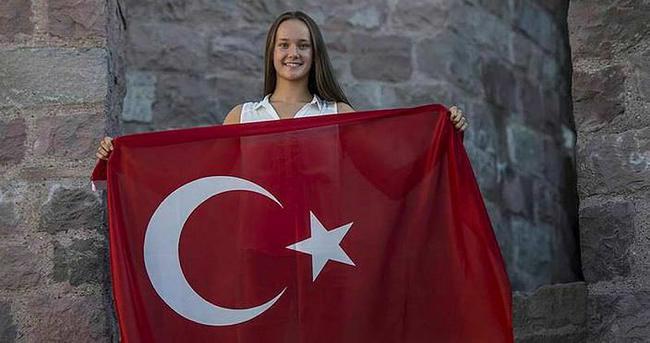 Milli yüzücü Viktoria, Rio'ya gitti
