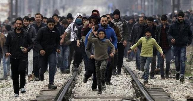 İtalya'dan göçmenlere uyarı