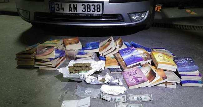 Gülen'in kitaplarının yanında uyuşturucu bulundu