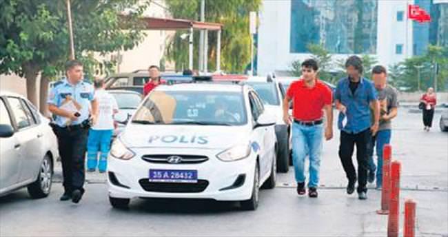 İzmir'de açığa alınan polislere operasyon