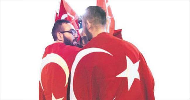 Avrupa'daki Türkler'den Erdoğan'a tam destek
