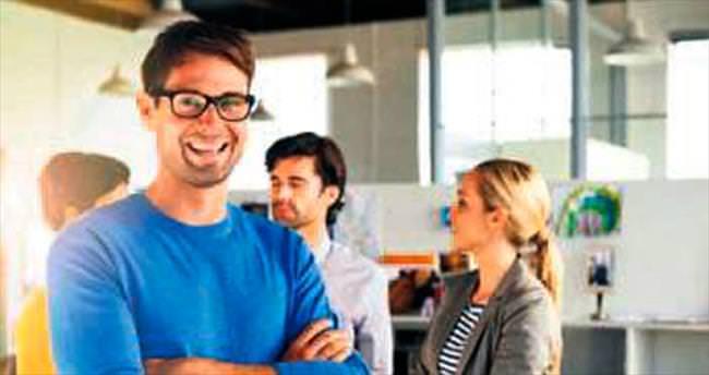 Çalışanlar ofiste jean ve tişört giymek istiyor