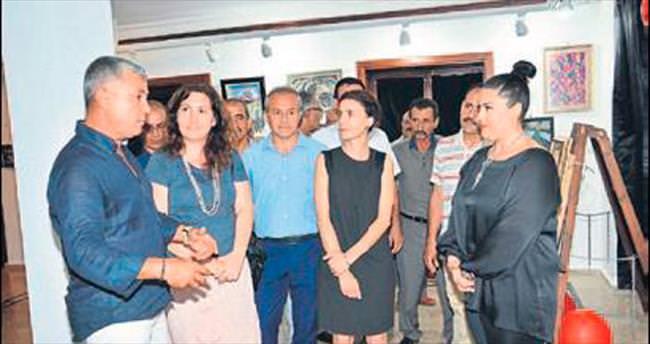 Kültürevi sergi ile misafirlerine açıldı