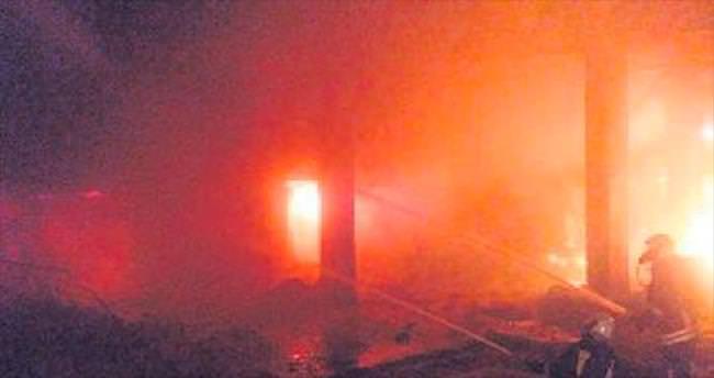Pamukkale Üçgen Çarşısı'nda yangın