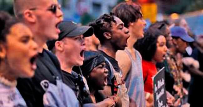ABD'de 'ırkçı polis' protestosu