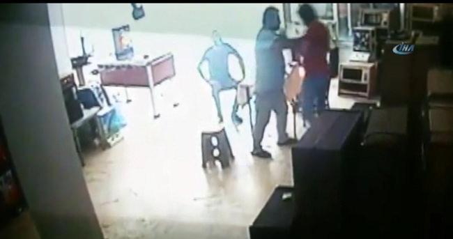 İstanbul'da kan donduran cinayet kamerada