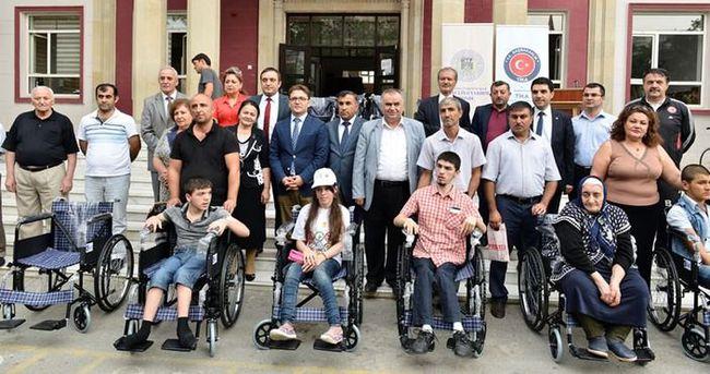 TİKA'dan Azerbaycan'daki engellilere tekerlekli sandalye desteği