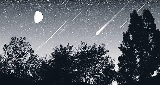 Gökyüzünde büyülü gece