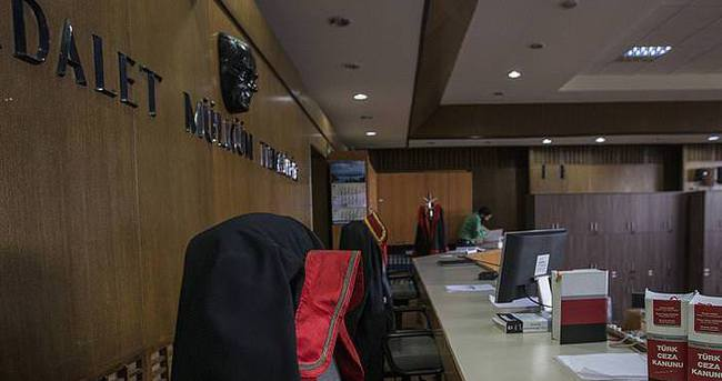 FETÖ'cü 297 hakim ve savcı firarda