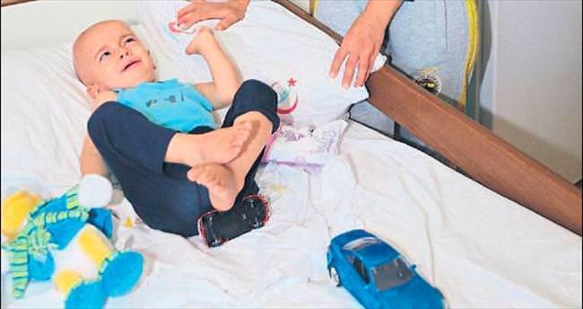 3 yaşındaki Samet'e 5 ayda 6 ameliyat