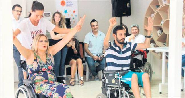 Şallı'dan omurilik felci hastalarına plates dersi
