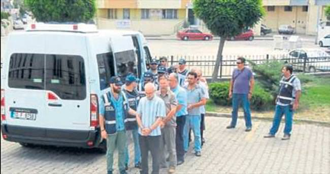 Edremit'te 21 işadamı FETÖ'den tutuklandı