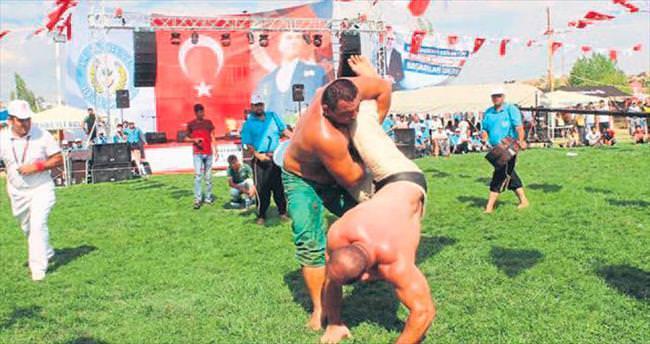 Tufanbeylİ'de güreş coşkusu
