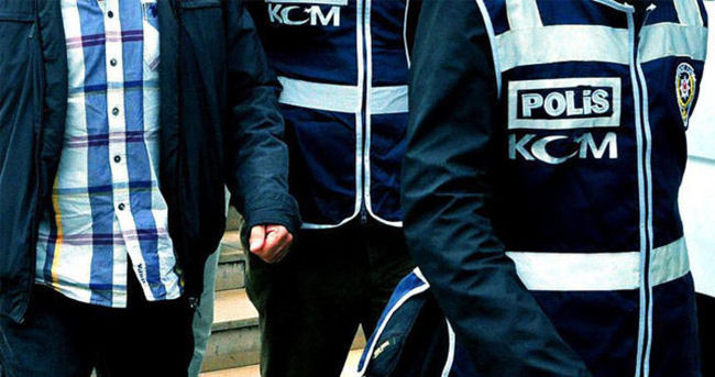 FETÖ soruşturmasında 14 rütbeli asker tutuklandı