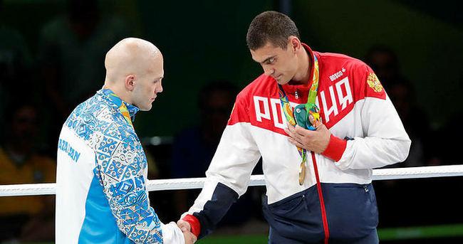 Altın yumruk Evgeny!