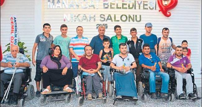 Engelliye hizmette engel tanımıyorlar
