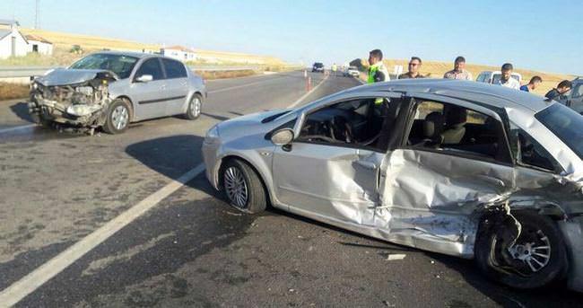 Trafik kazasında baba-kız hayatını kabetti