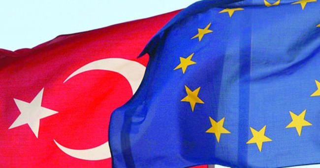 Türkiye için toplanıyor