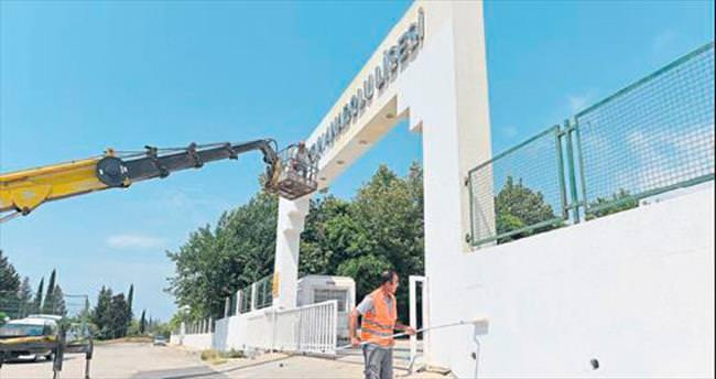 Muratpaşa Belediyesi okullara bakım yapıyor