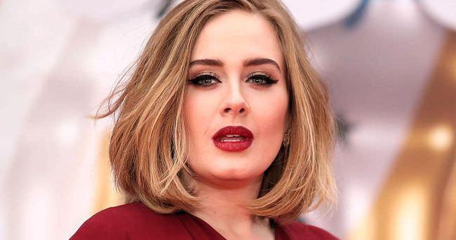 Adele'nin makyajsız hali 'yok artık' dedirtti!