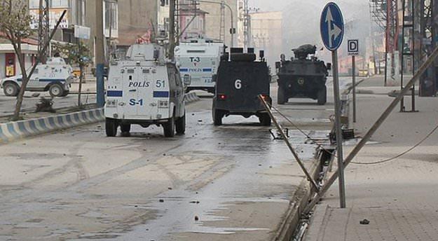 Şemdinli'de sokağa çıkma yasağı!