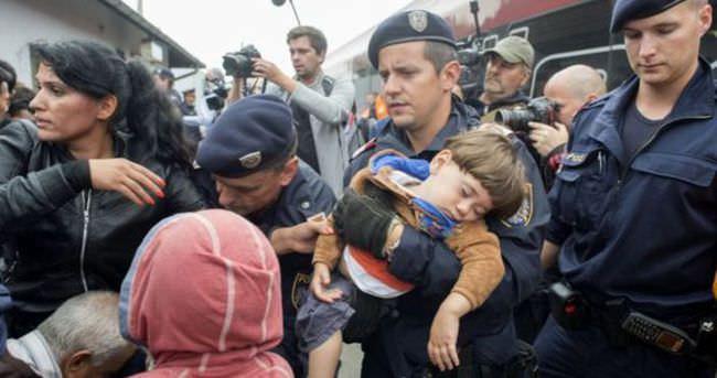 Avusturya'da sığınmacılara 1 avroya zorunlu kamu hizmeti önerisi