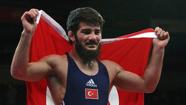 Milli sporcu Soner Demirtaş bronz madalya kazandı