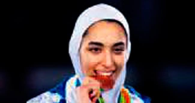 İranlı Zenoorin bir ilke imza attı