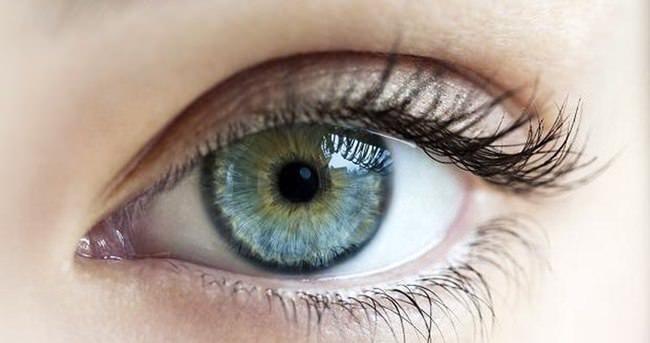 Göz kapağında komple güzellik