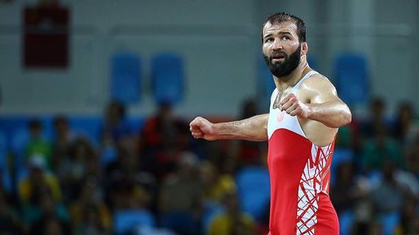 Milli güreşçi Selim Yaşar olimpiyat ikincisi oldu!