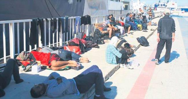 Ege'de göçmen teknesi battı: 1ölü, 2 kayıp