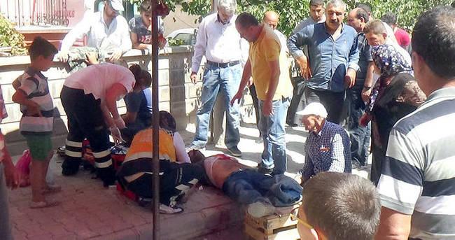 Pazarcıların çadır demiri kavgası: 1 ölü, 1 yaralı
