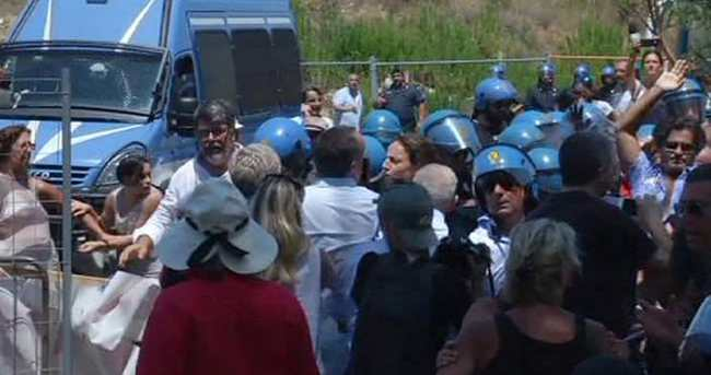 İtalya'da göçmen gençler saldırıya uğradı
